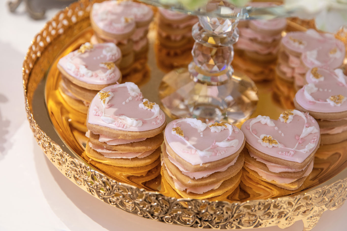 GC Couture Luxury Wedding Heart Shaped Cookies With Gordon Ramsay Weddings