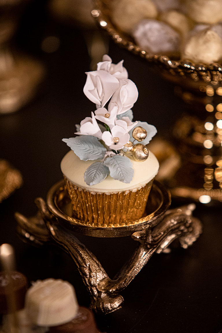 Palm Court Kimpton Fitzroy cupcake by GC Couture with elegant handmade sugar flowers