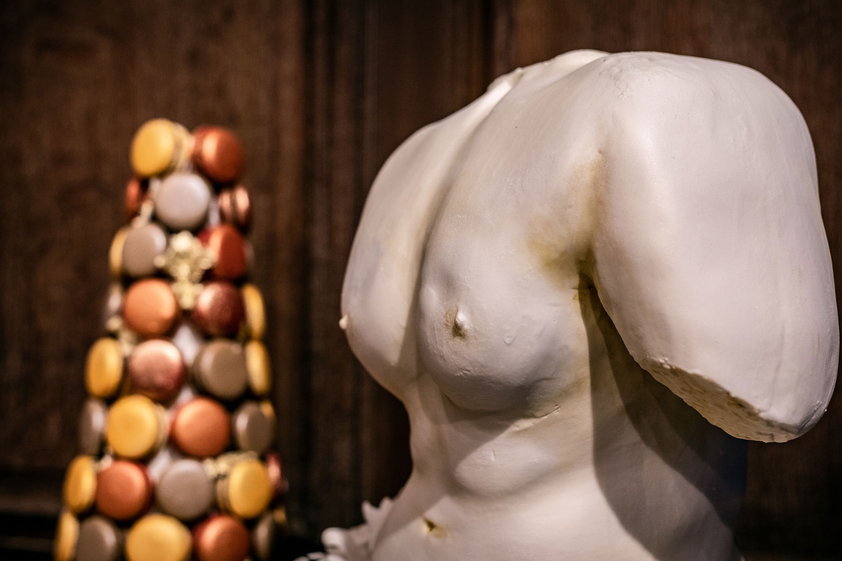 cake statue closeup by GC Couture at Maison Assouline event