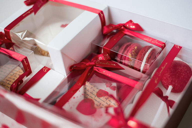 Valentine's cake gift box by GC Couture
